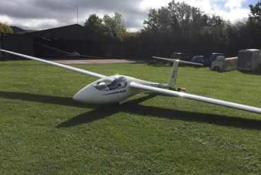 How much does a glider cost to buy and fly